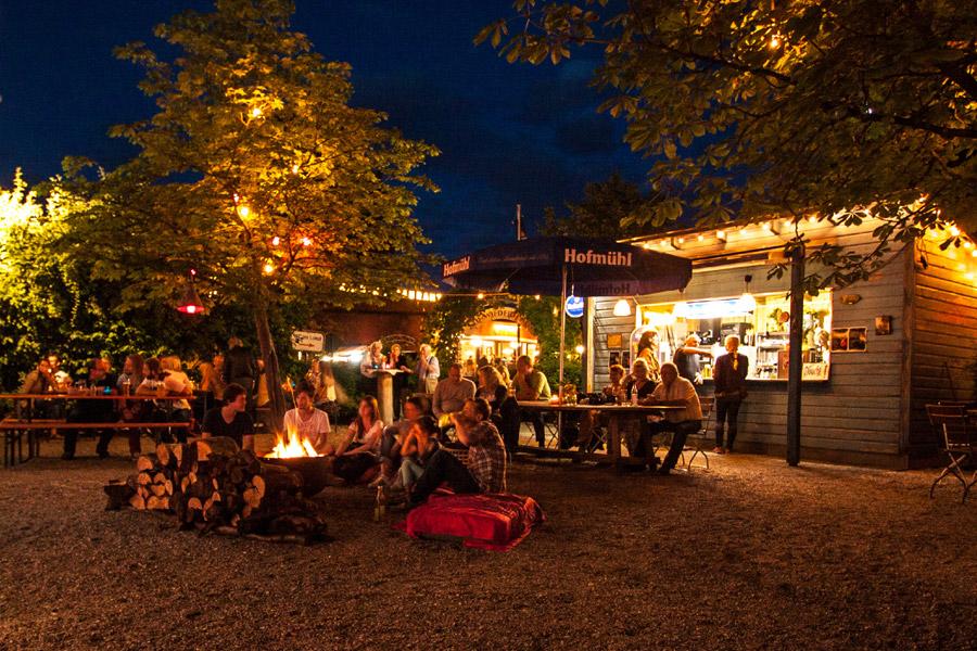 Beckstage Unplugged bei Nacht