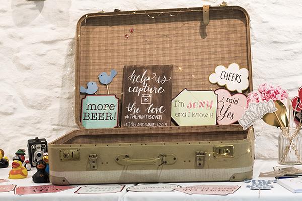 Fotobox Accesoires im Vintage-Koffer